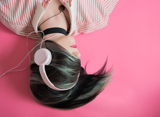 Featured image for girl headphones
