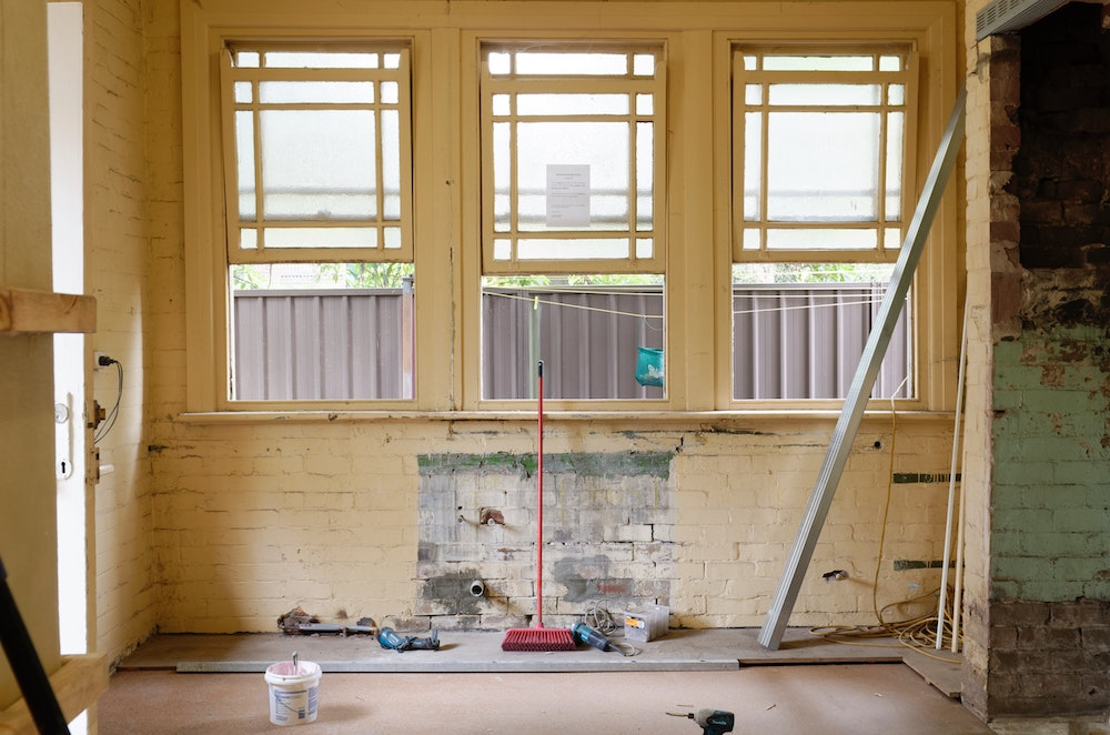 Featured image for 6 Simple Ways You Can Practice Mindfulness During Home Renovations